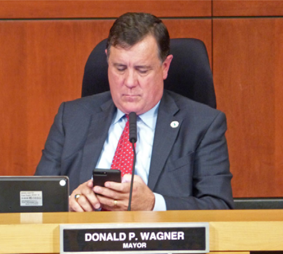 Wagner texting